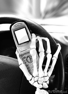 dangers-texting-driving-10853181